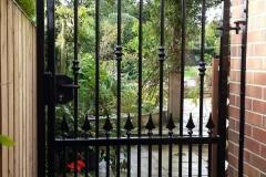 gate6-1-600x600